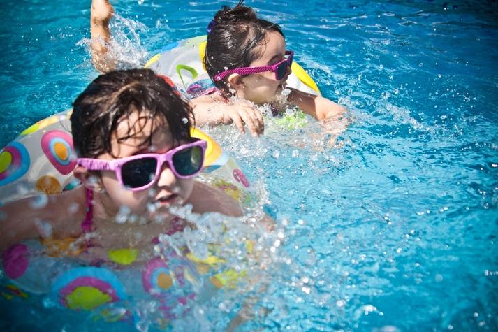 Consigli per Rendere la Piscina Sicura per i Bambini