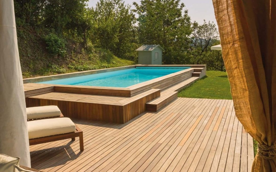 Il fascino di una piscina in legno da esterni